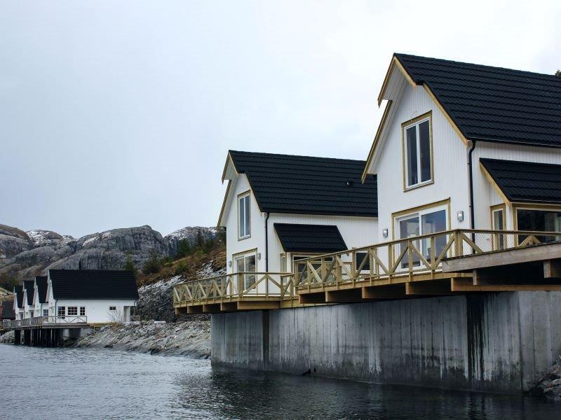 Angelreisen Norwegen 42413-42414 Besssaker Ansicht vom Wasser