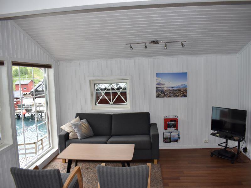 Angelreisen Norwegen 43563-43564 Koppangen Brygger Sitzecke mit TV