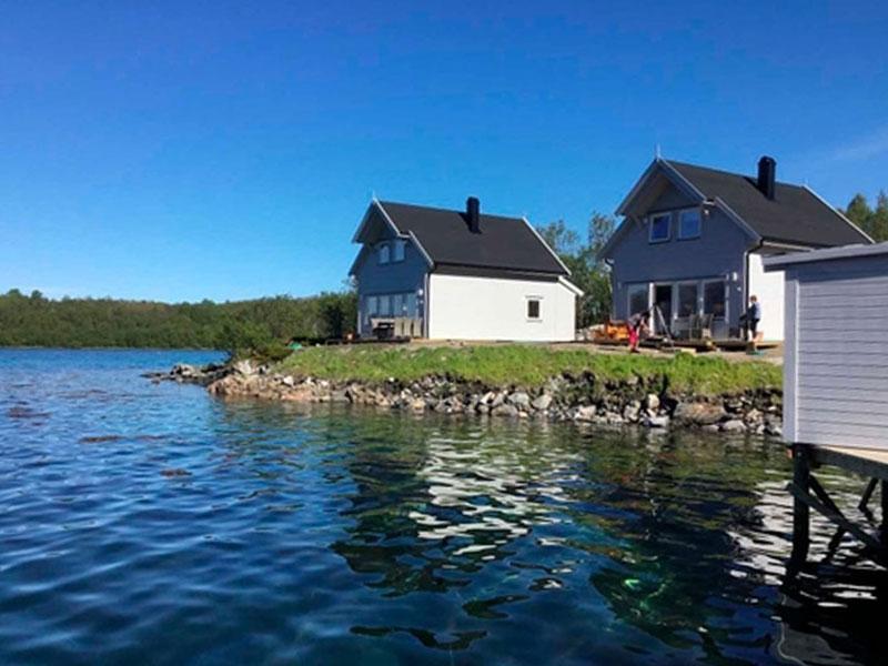 Angelreisen Norwegen 43521-43523 Senja Fishing Lodge_Blick vom Wasser