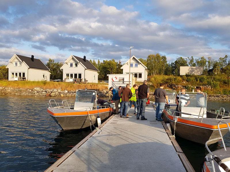 Angelreisen Norwegen 43521-43523 Senja Fishing Lodge_Häuser und Boote
