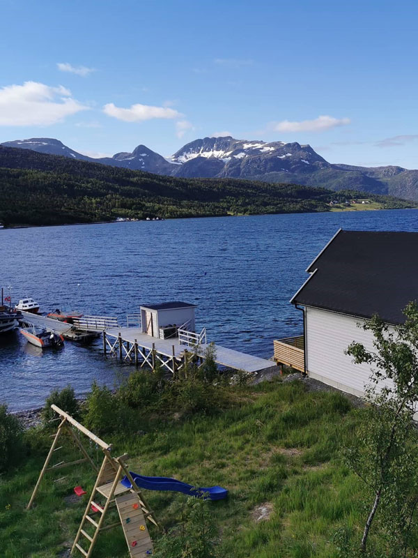 Angelreisen Norwegen 43521-43523 Senja Fishing Lodge_Meerblick mit Steg