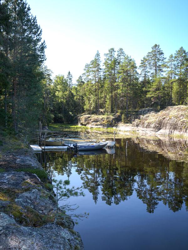 Angelreisen Schweden 7083 Bucht mit Boot
