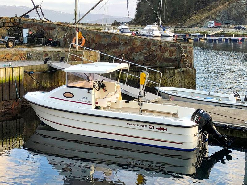 Ein Boot 21 Fuß / 60 PS, 4-Takt, mit Echolot und Kartenplotter